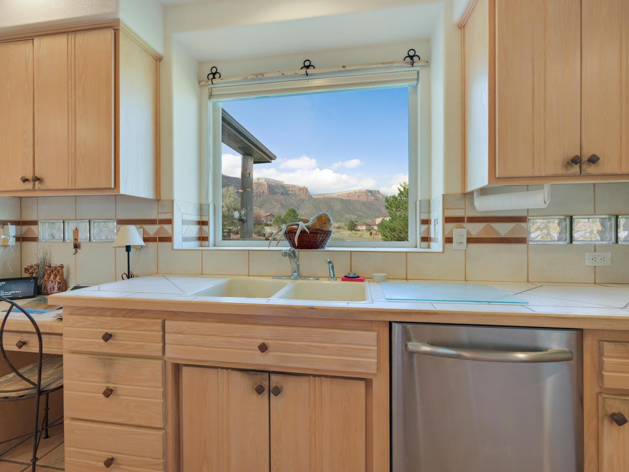 2209 Red Canyon Court Property Photo 12