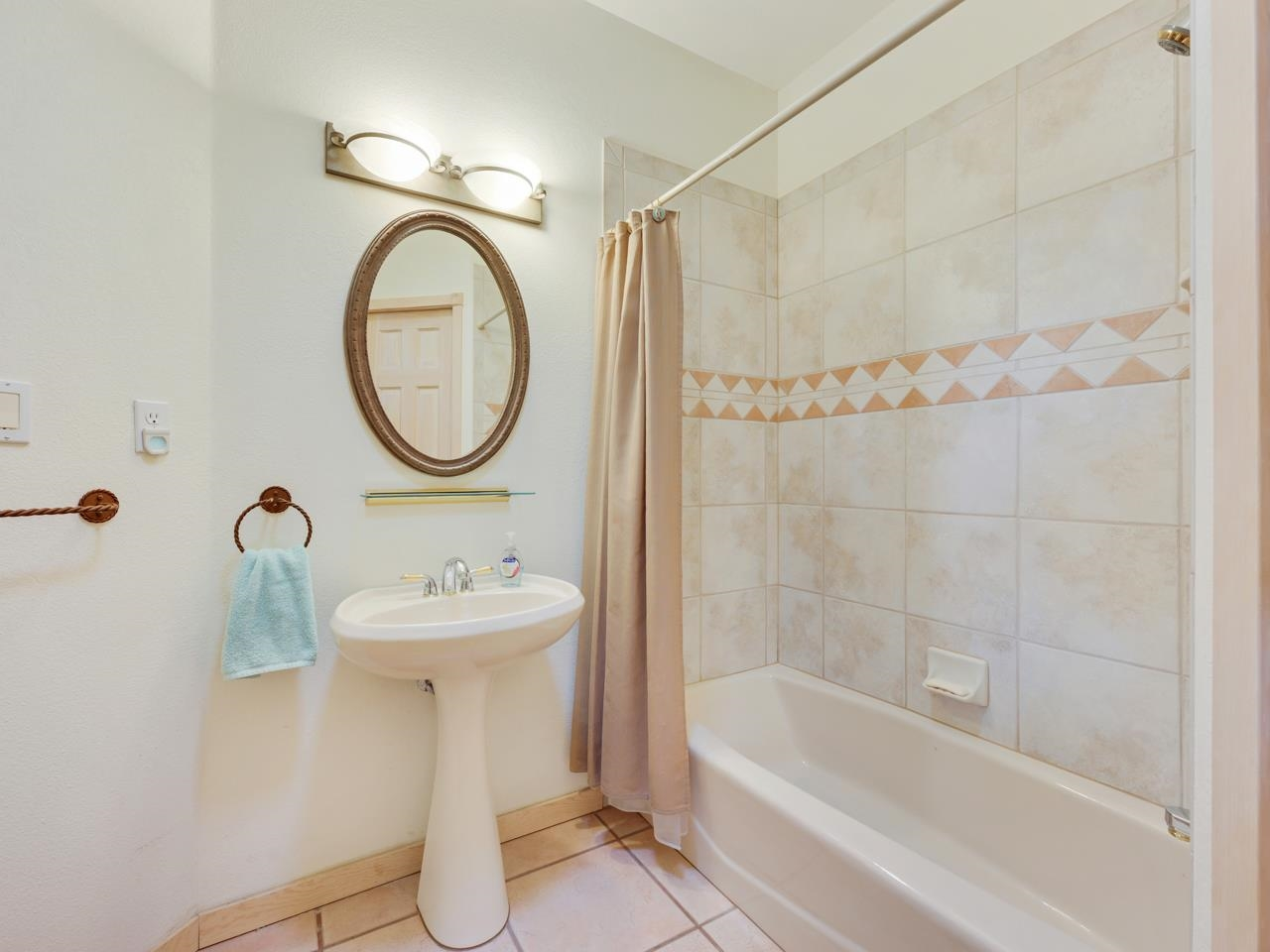 2209 Red Canyon Court Property Photo 23