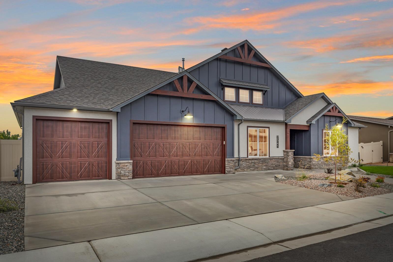 2541 Woody Creek Drive Property Photo 1