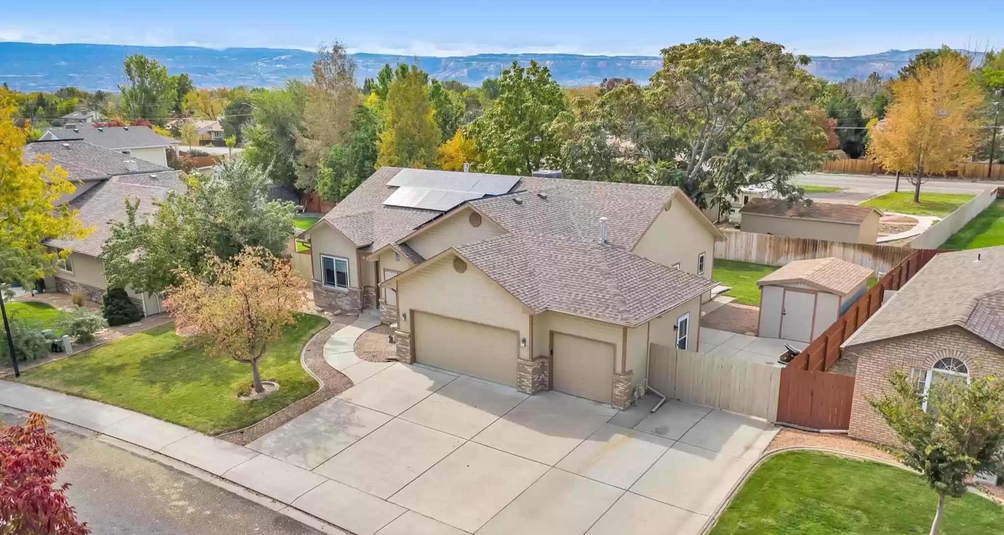 655 Grand View Drive Property Photo 1