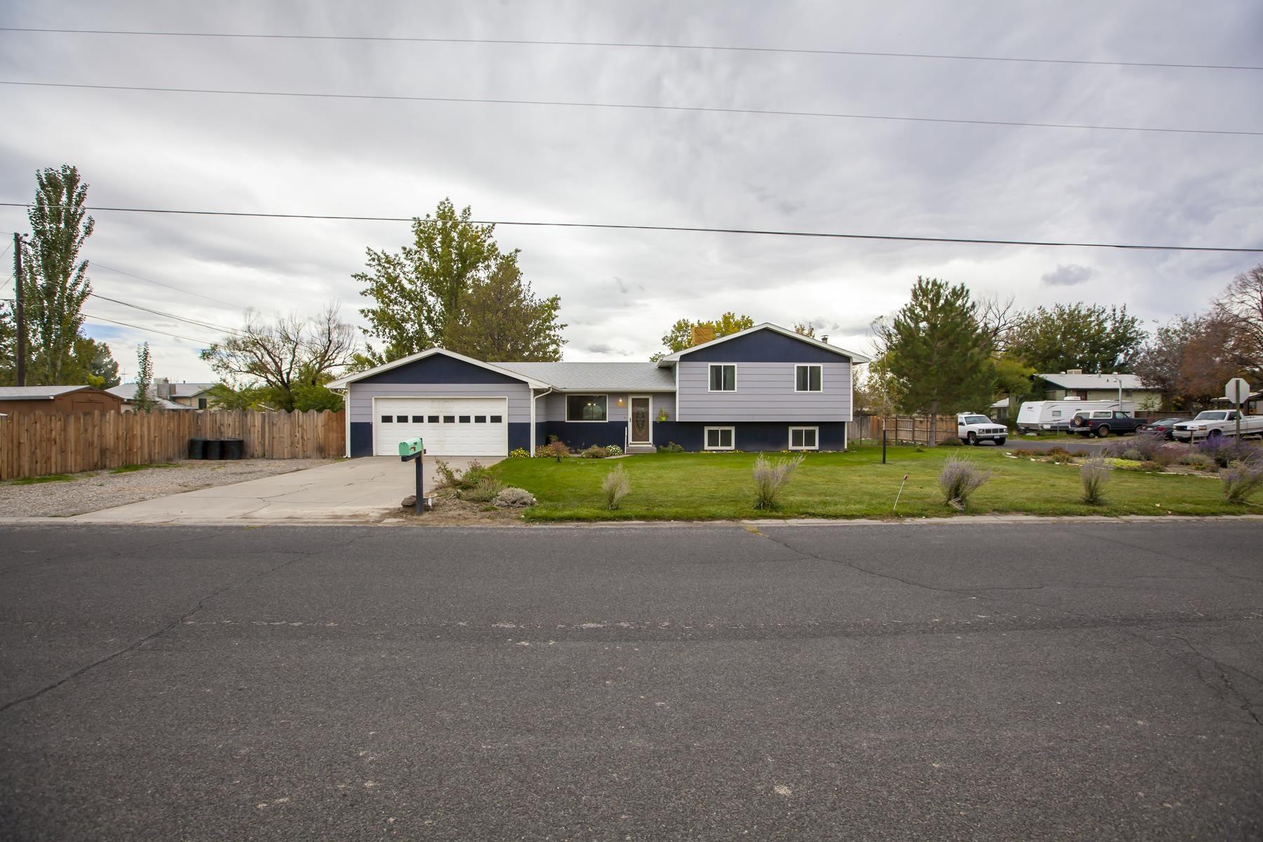 3211 F 1/4 Road Property Photo 1