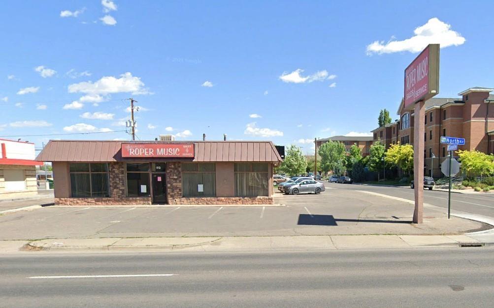912 North Avenue Property Photo 1
