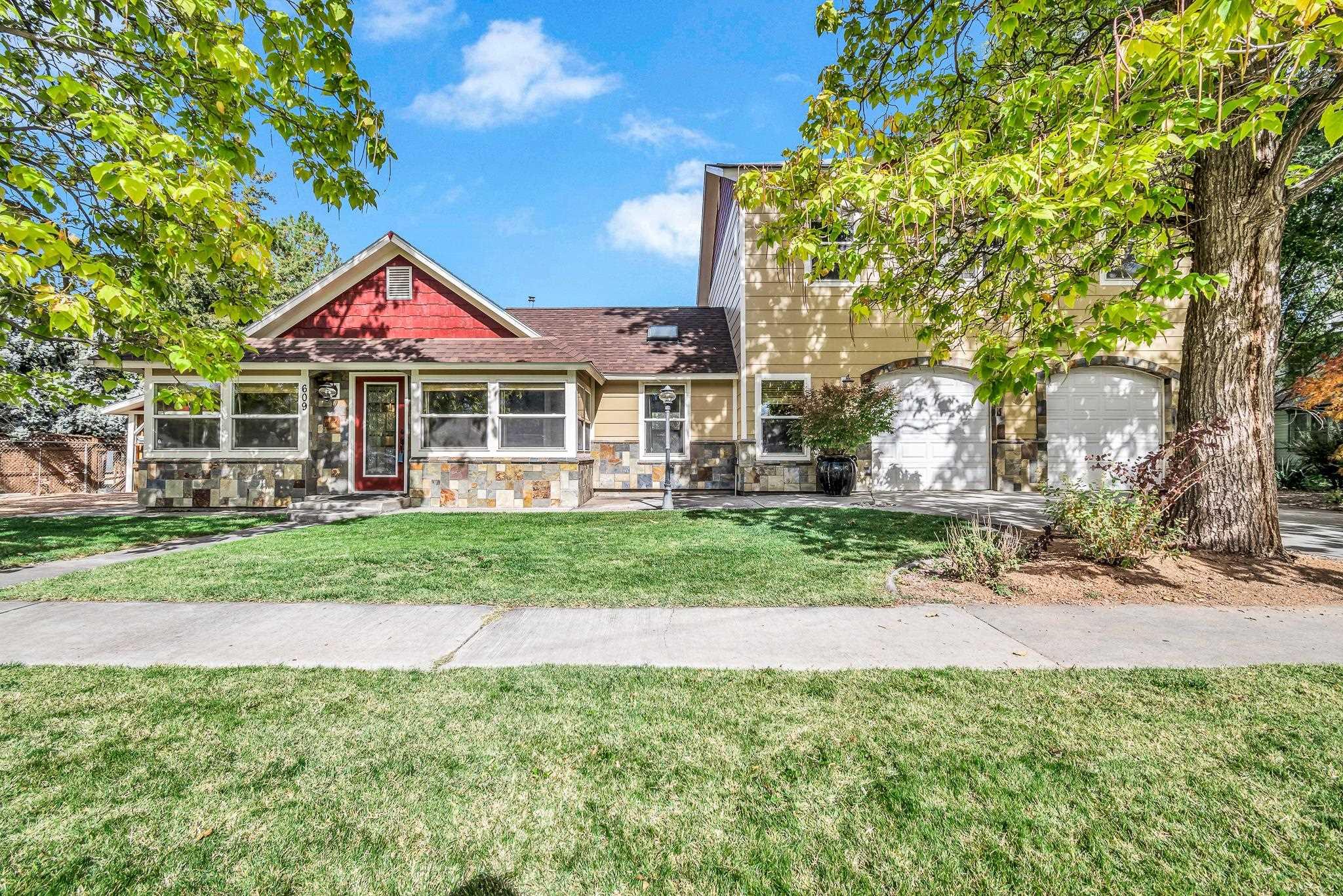 609 E Pabor Avenue Property Photo 1