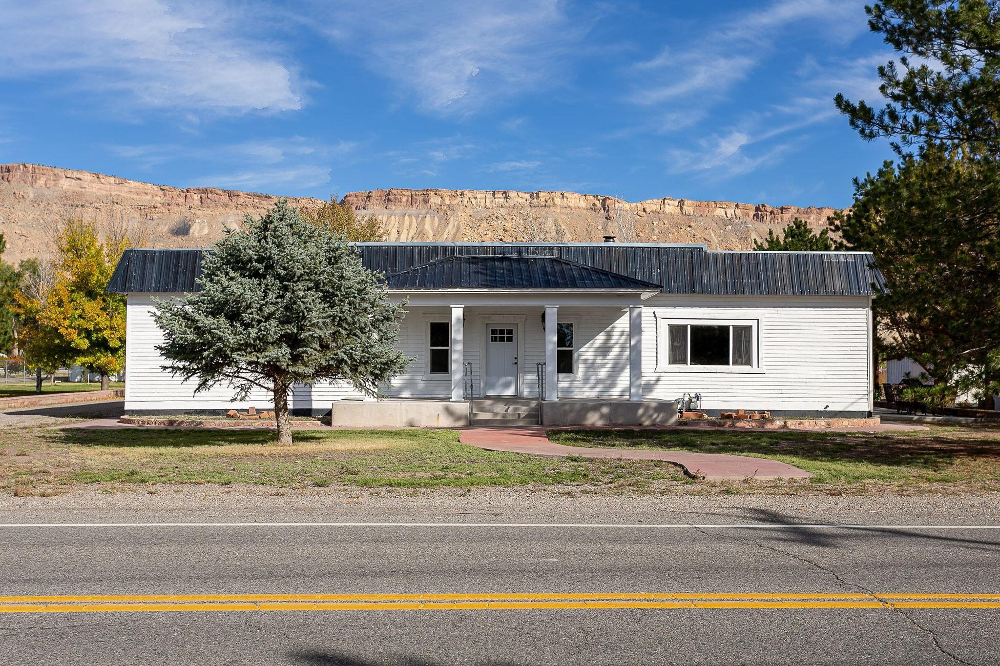 3612 G Road Property Photo 1
