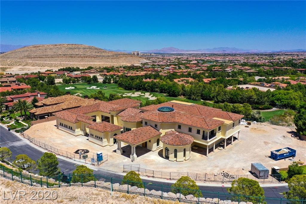 Desert Oasis Real Estate Listings Main Image
