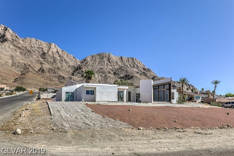 590 Los Feliz Street Property Photo 1