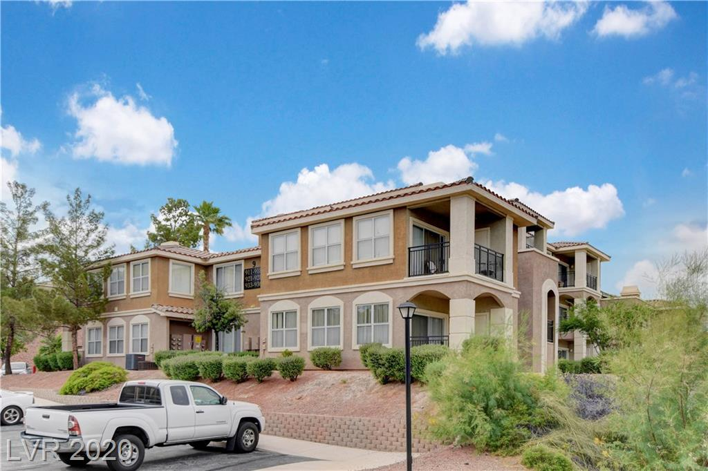 2900 SUNRIDGE HEIGHTS Parkway #917 Property Photo - Henderson, NV real estate listing