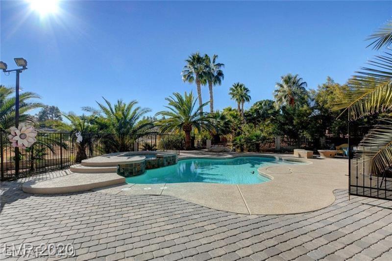 2909 La Mesa Drive Property Photo