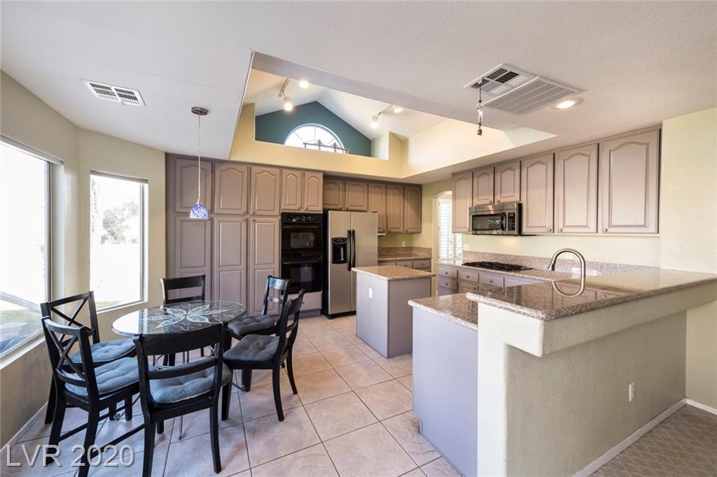 9404 Cedar Heights Avenue Property Photo