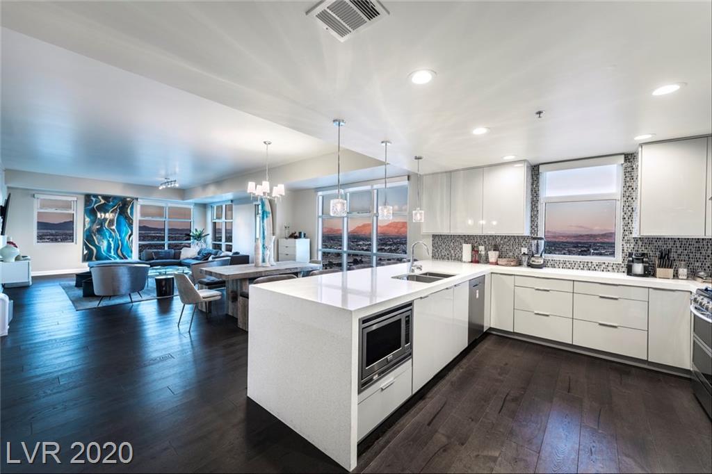 150 N Las Vegas Boulevard #2214 Property Photo 1