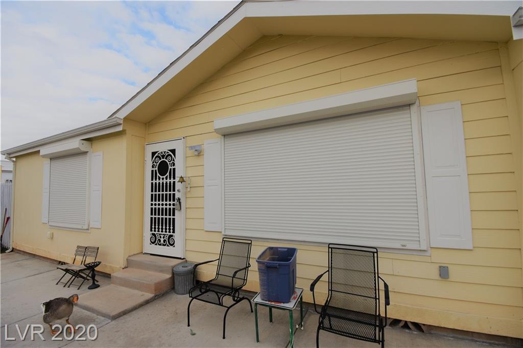 6096 Castlemont Property Photo