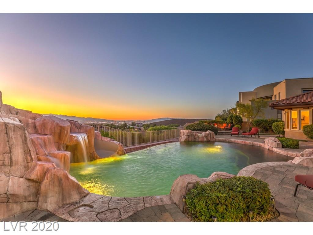 11 YORKRIDGE Court Property Photo - Henderson, NV real estate listing
