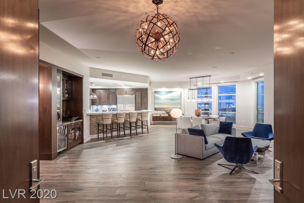 9101 ALTA Drive #302 Property Photo - Las Vegas, NV real estate listing