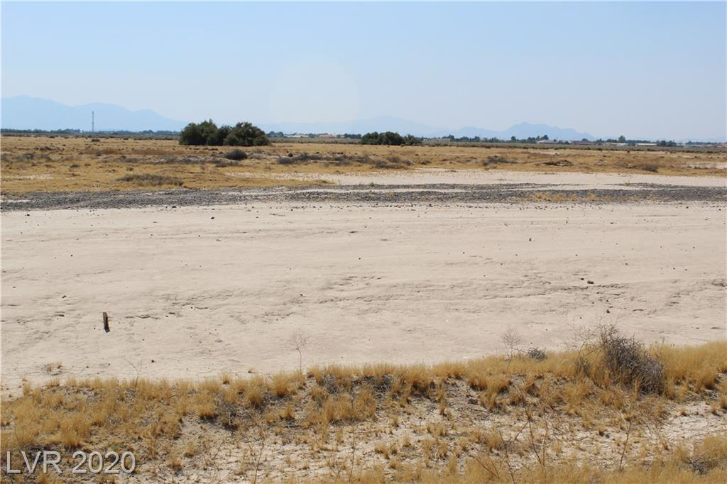 5290 E Roger Street Property Photo - Pahrump, NV real estate listing
