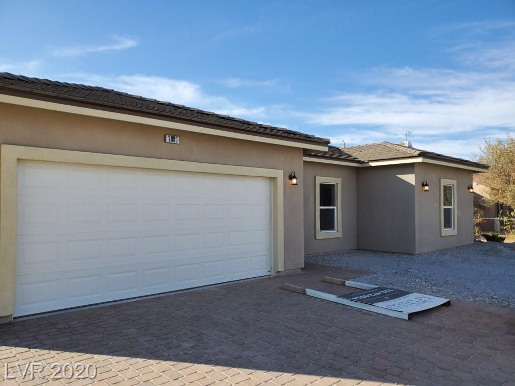 6661 N Gallup Property Photo