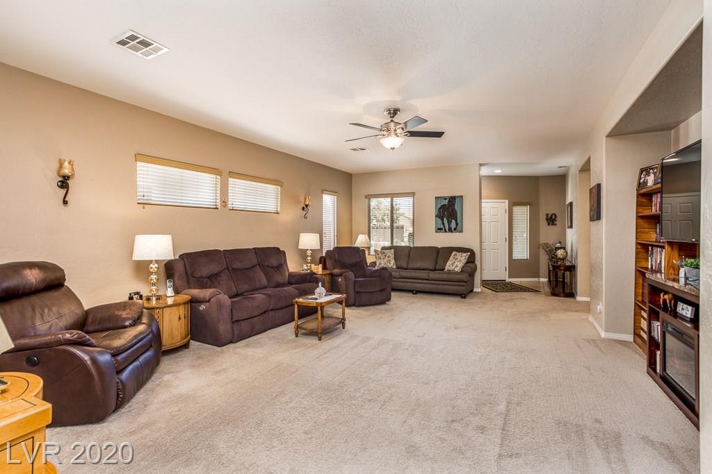 6031 Orlov Trotter Avenue Property Photo - Las Vegas, NV real estate listing