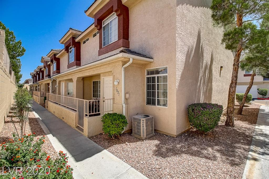 1021 Nevada Sky Street Property Photo