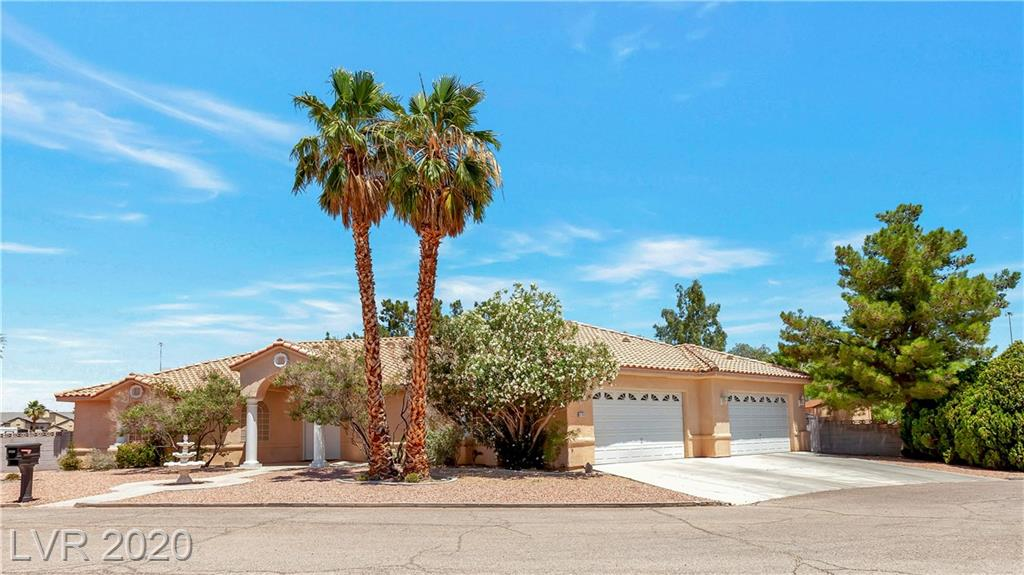 6760 Arville Property Photo