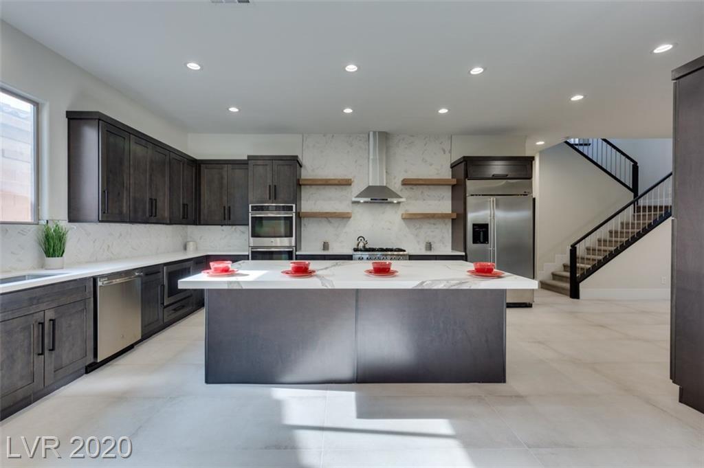 8247 Bella Famiglia Property Photo - Las Vegas, NV real estate listing