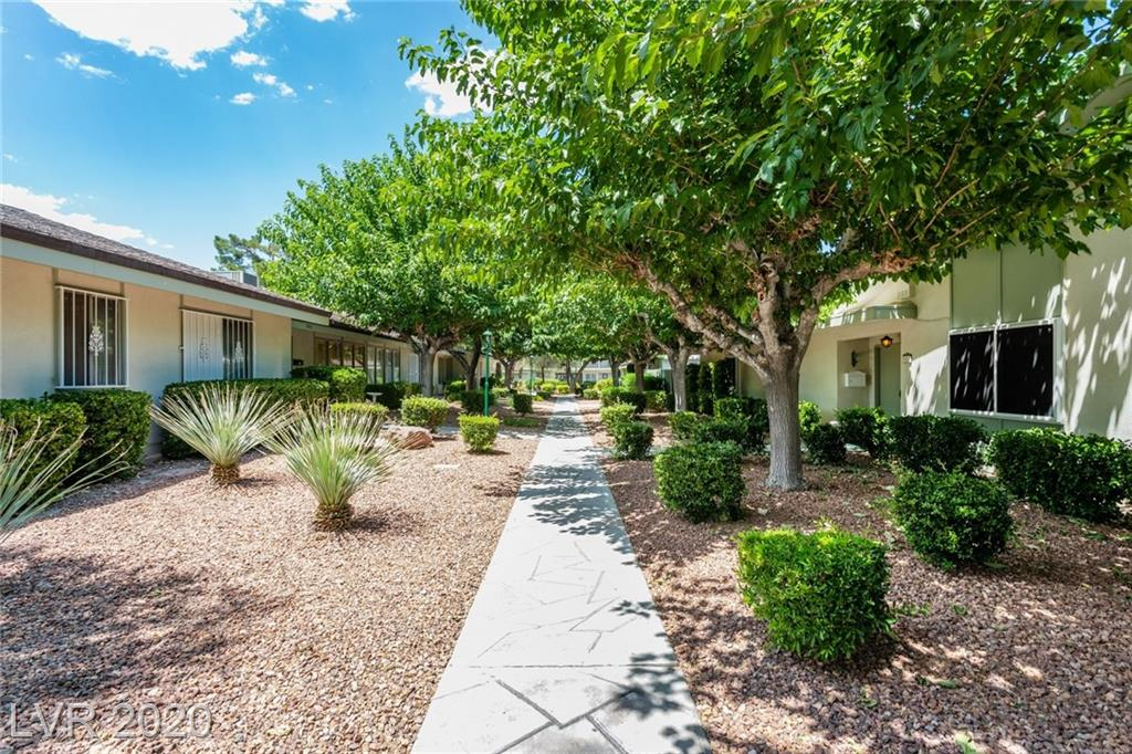 3042 El Camino Avenue Property Photo
