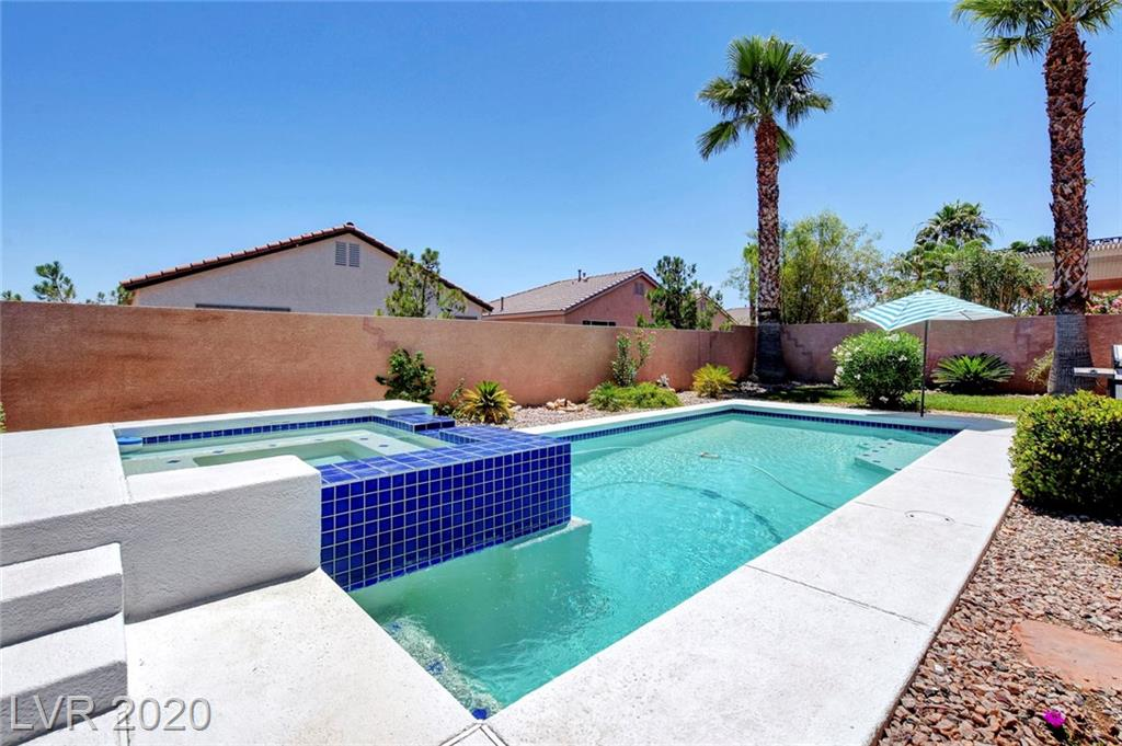 3736 Russell Peterson Property Photo - Las Vegas, NV real estate listing