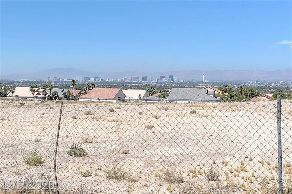 255 Vista Valley Street Property Photo