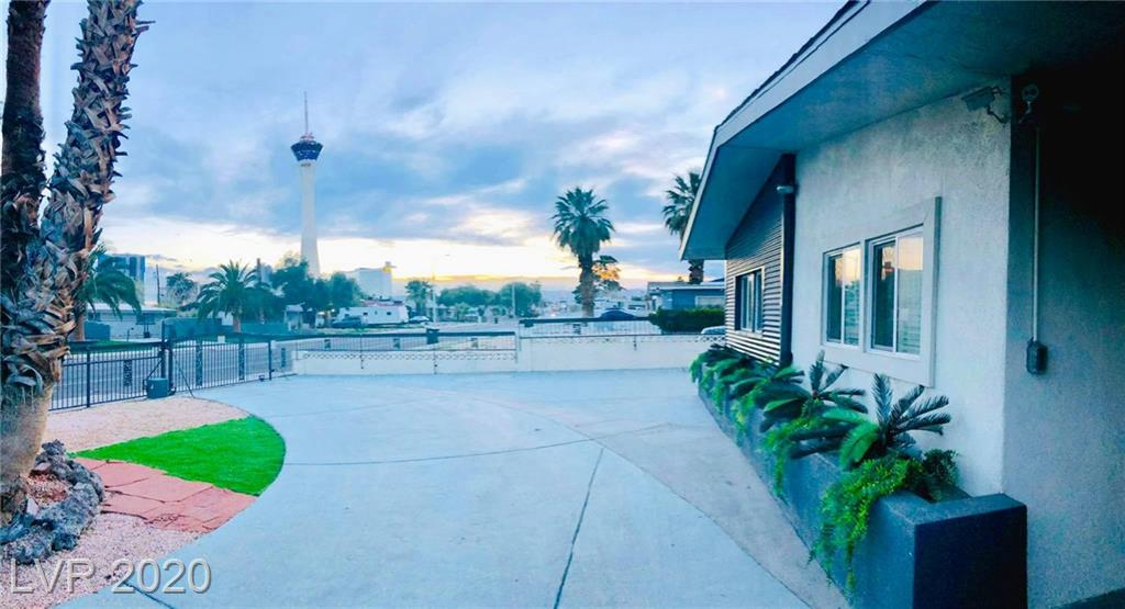 549 Oakey Boulevard Property Photo - Las Vegas, NV real estate listing