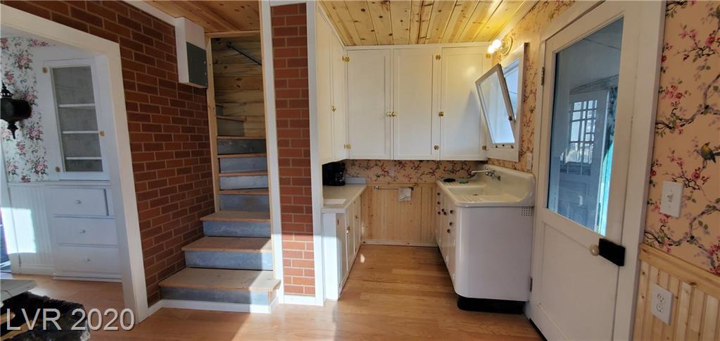 469 Florence Avenue Property Photo