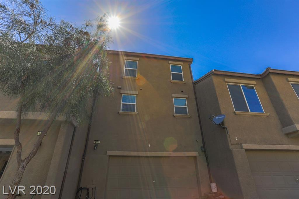4533 Townwall Street Property Photo