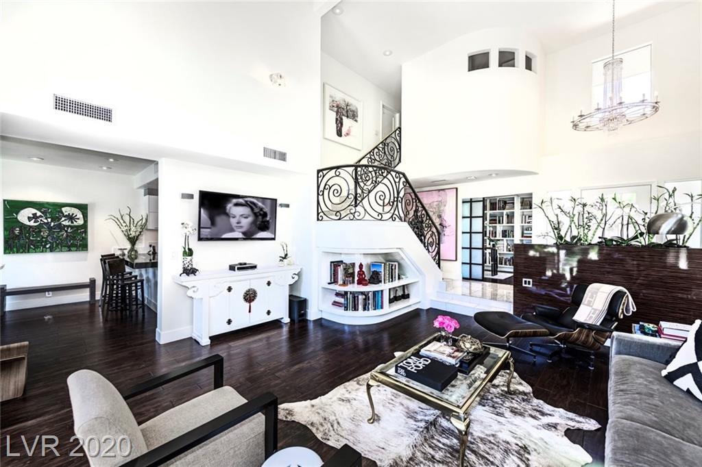4925 Mount Pleasant Lane Property Photo