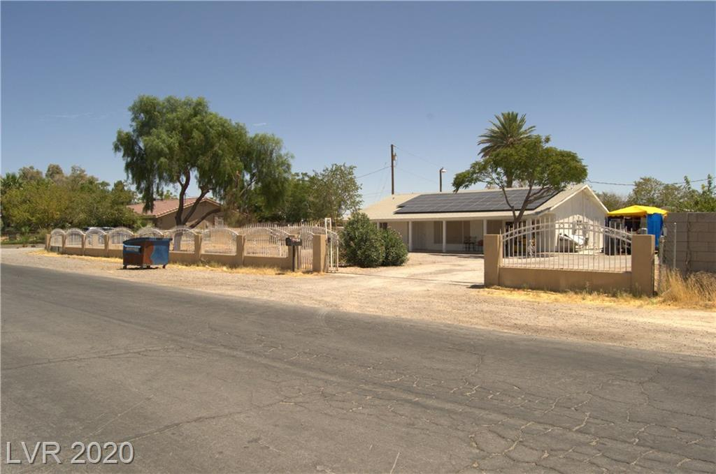2094 Moonlite Drive Property Photo - Las Vegas, NV real estate listing