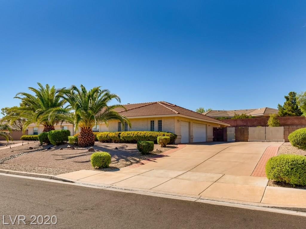 261 E Country Club Drive Property Photo - Henderson, NV real estate listing