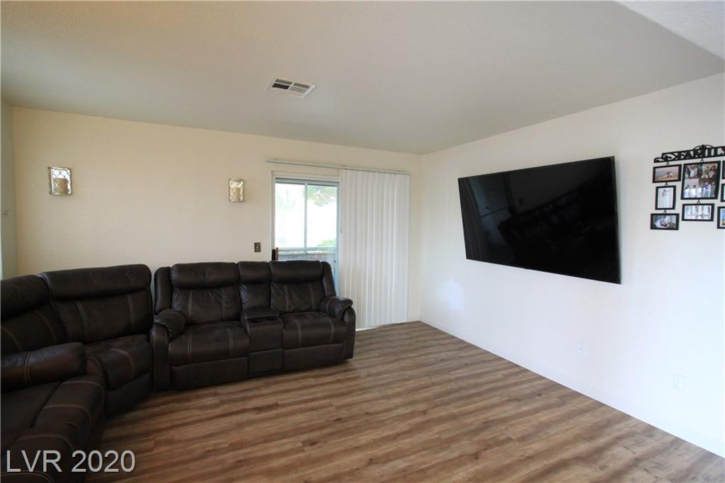 2725 Nellis Boulevard #1003 Property Photo