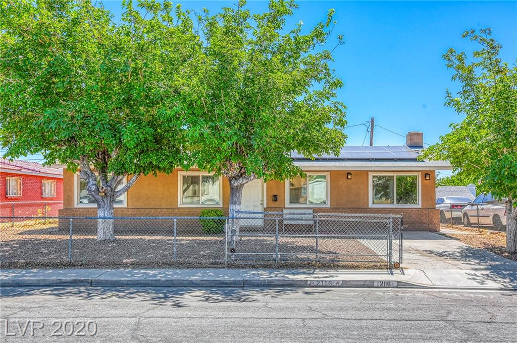 2116 Travis Street Property Photo
