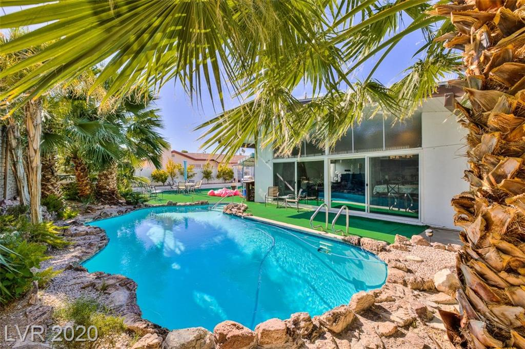 1639 Commanche Drive Property Photo - Las Vegas, NV real estate listing