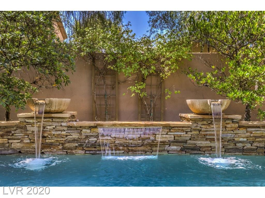 17 Oro Valley Drive Property Photo - Henderson, NV real estate listing