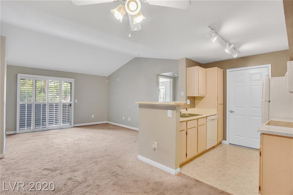 231 W Horizon Ridge Parkway #321 Property Photo - Henderson, NV real estate listing