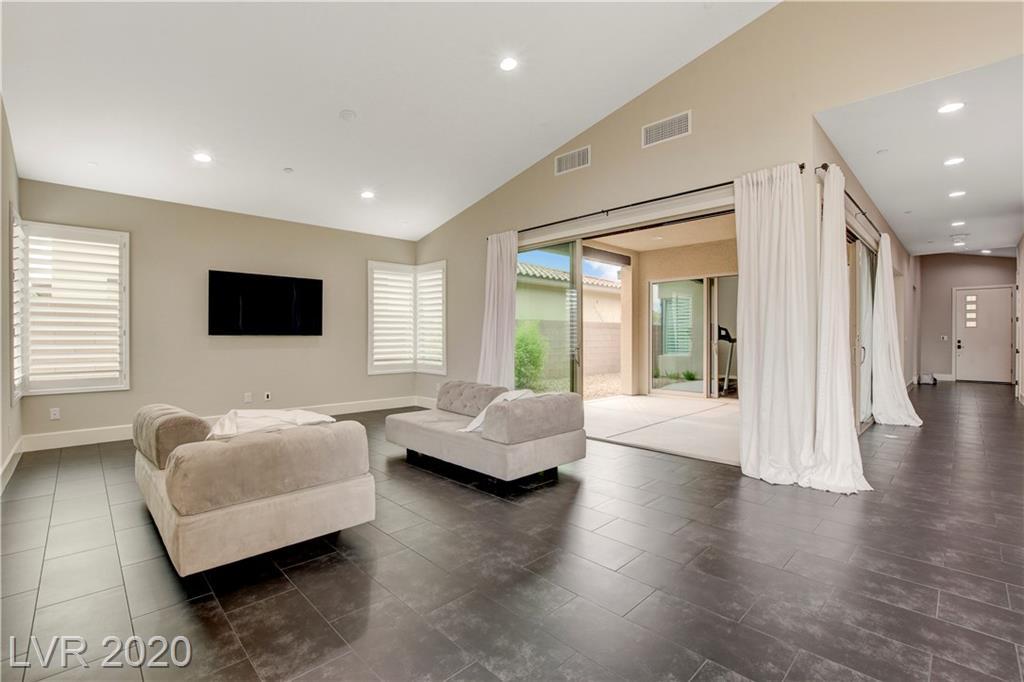 3017 Barrett Springs Avenue Property Photo