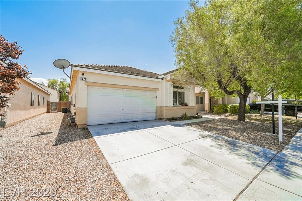 5021 Cascade Pools Avenue Property Photo - Las Vegas, NV real estate listing