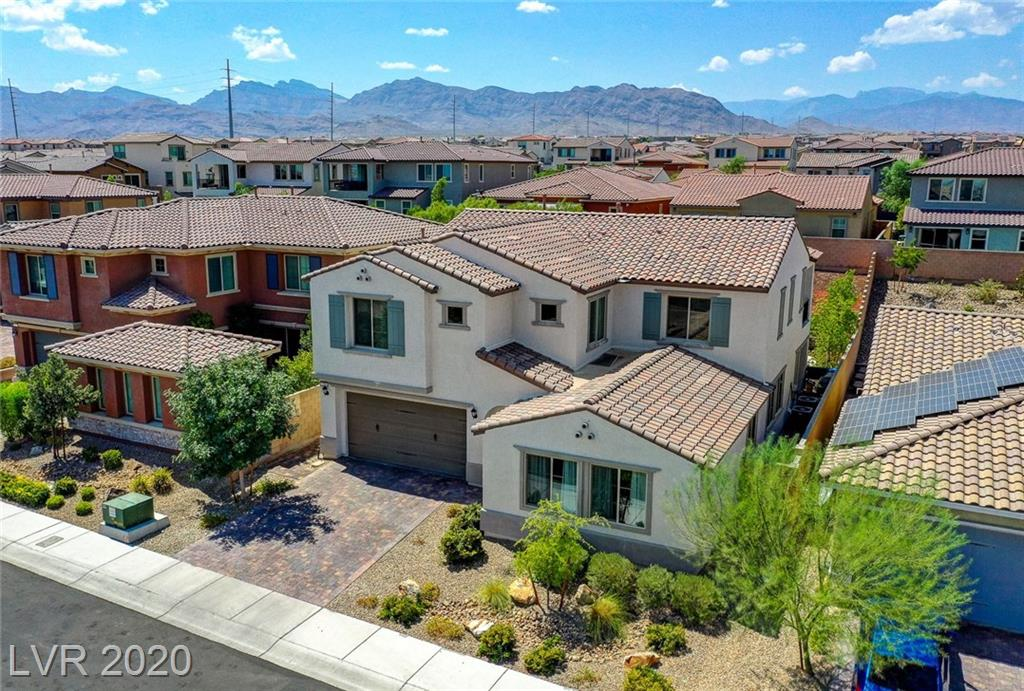 8125 Skye Wolf Court Property Photo - Las Vegas, NV real estate listing