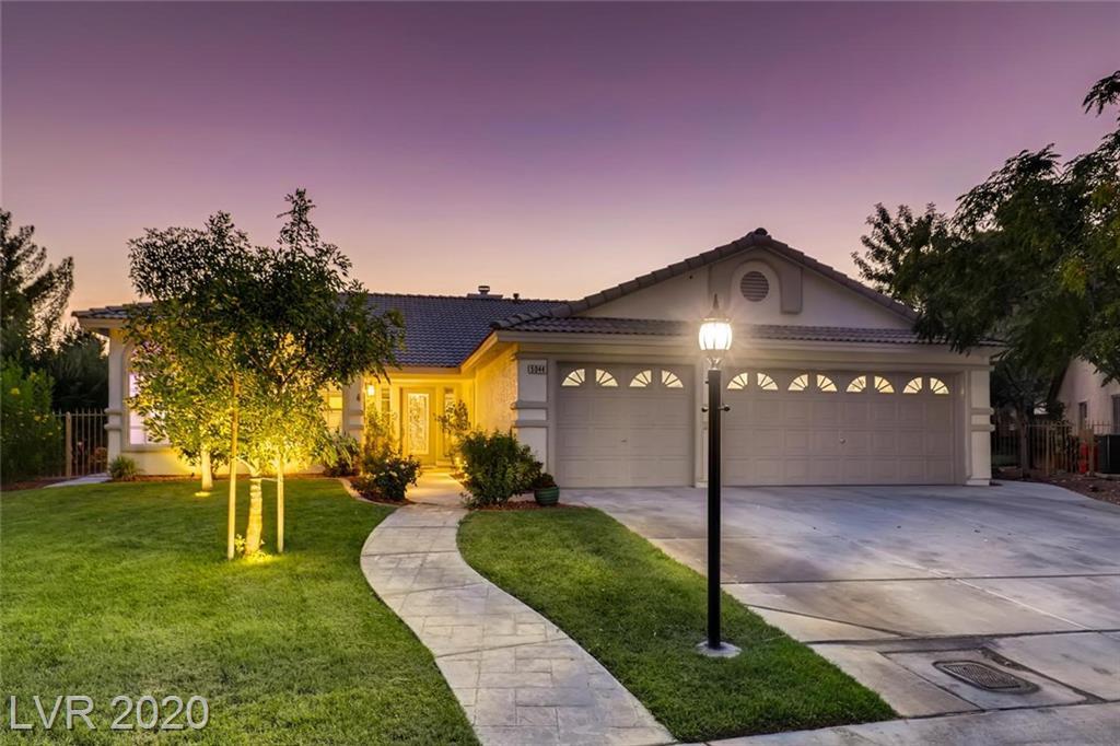 5044 Desert Fir Drive Property Photo