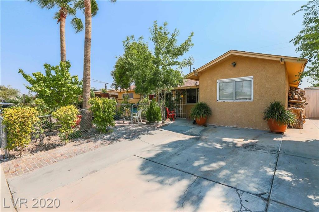 5821 Forrest Hills Lane Property Photo - Las Vegas, NV real estate listing