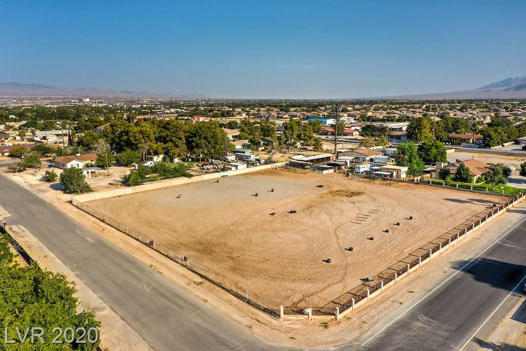 Maverick Street Property Photo