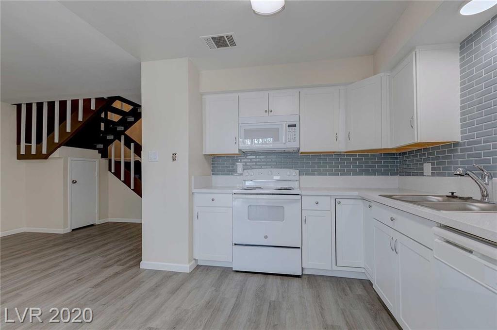 708 Fernwood Lane Property Photo