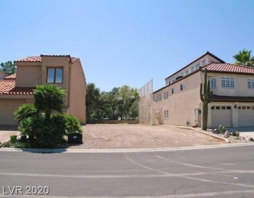 2847 QUEENS COURTYARD Drive Property Photo