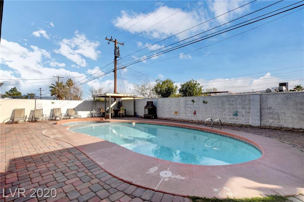 1509 Ryan Avenue Property Photo