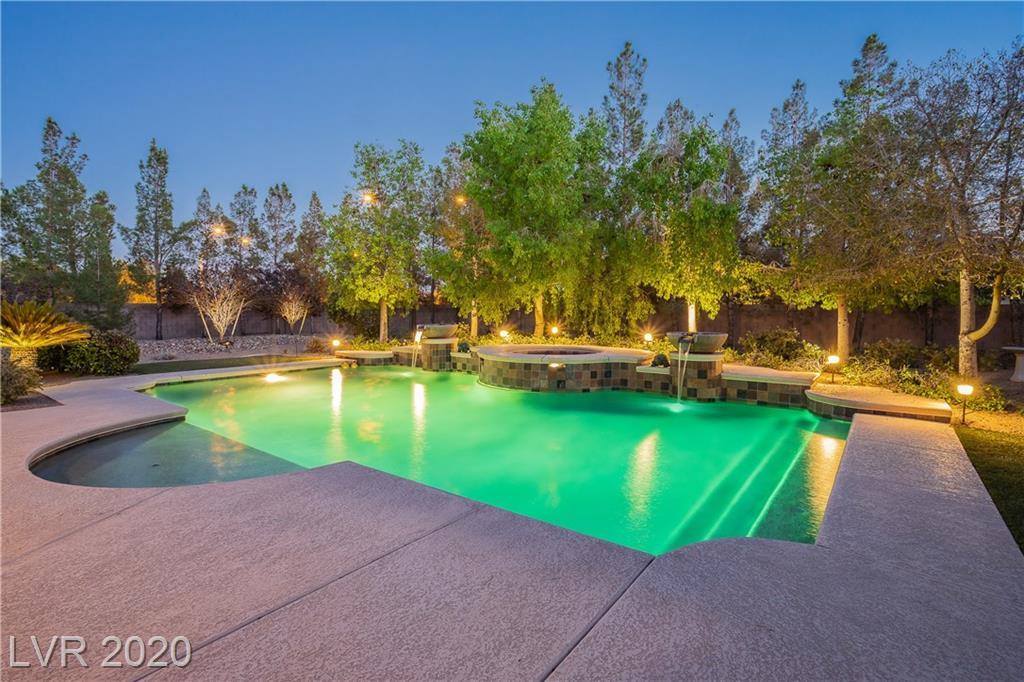 8425 Frazier Park Court Property Photo - Las Vegas, NV real estate listing