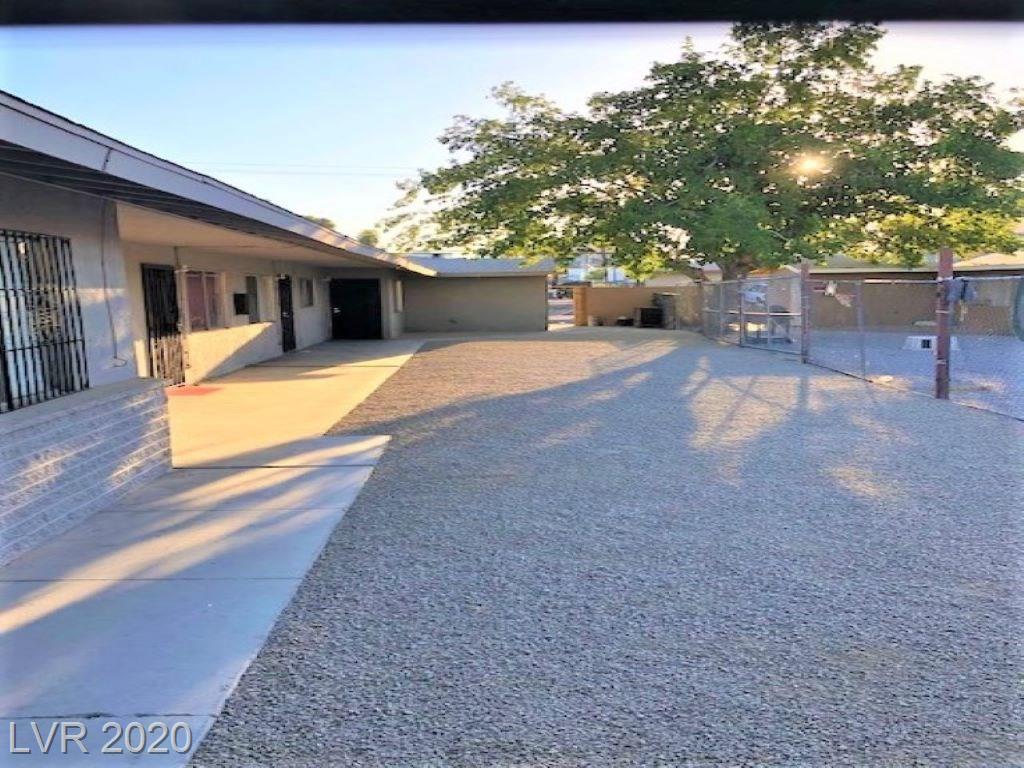 3811 Royal Crest Street Property Photo - Las Vegas, NV real estate listing