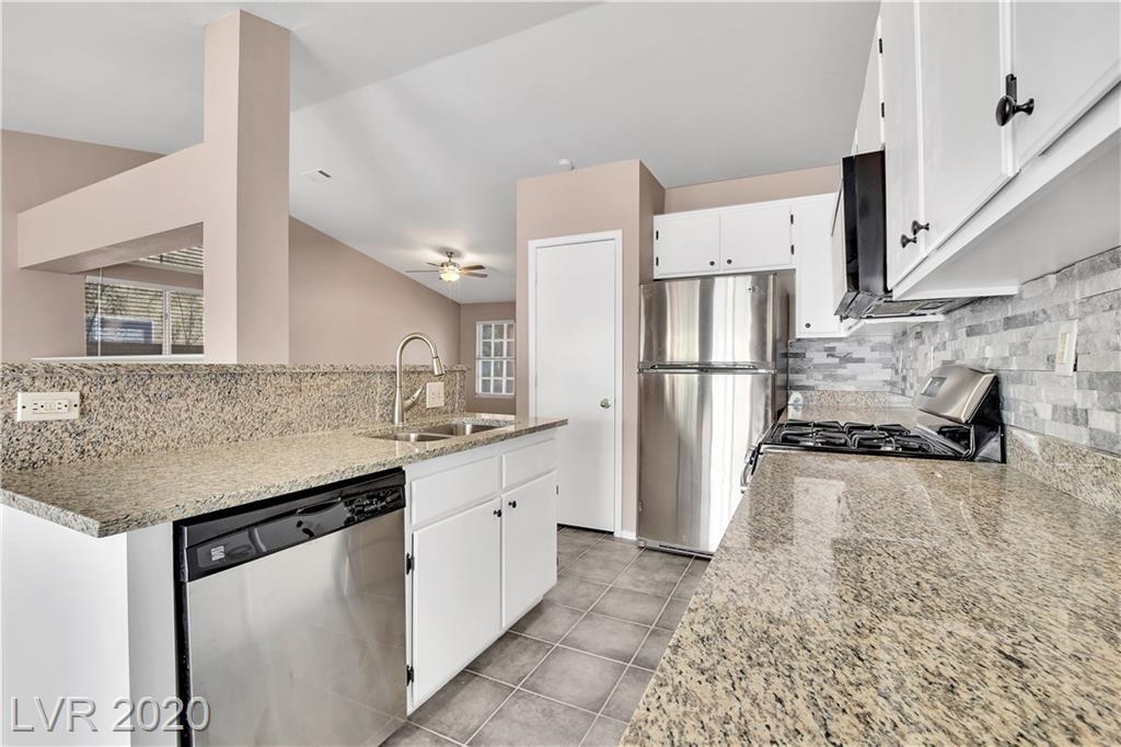 212 BREEZY SHORE Avenue Property Photo