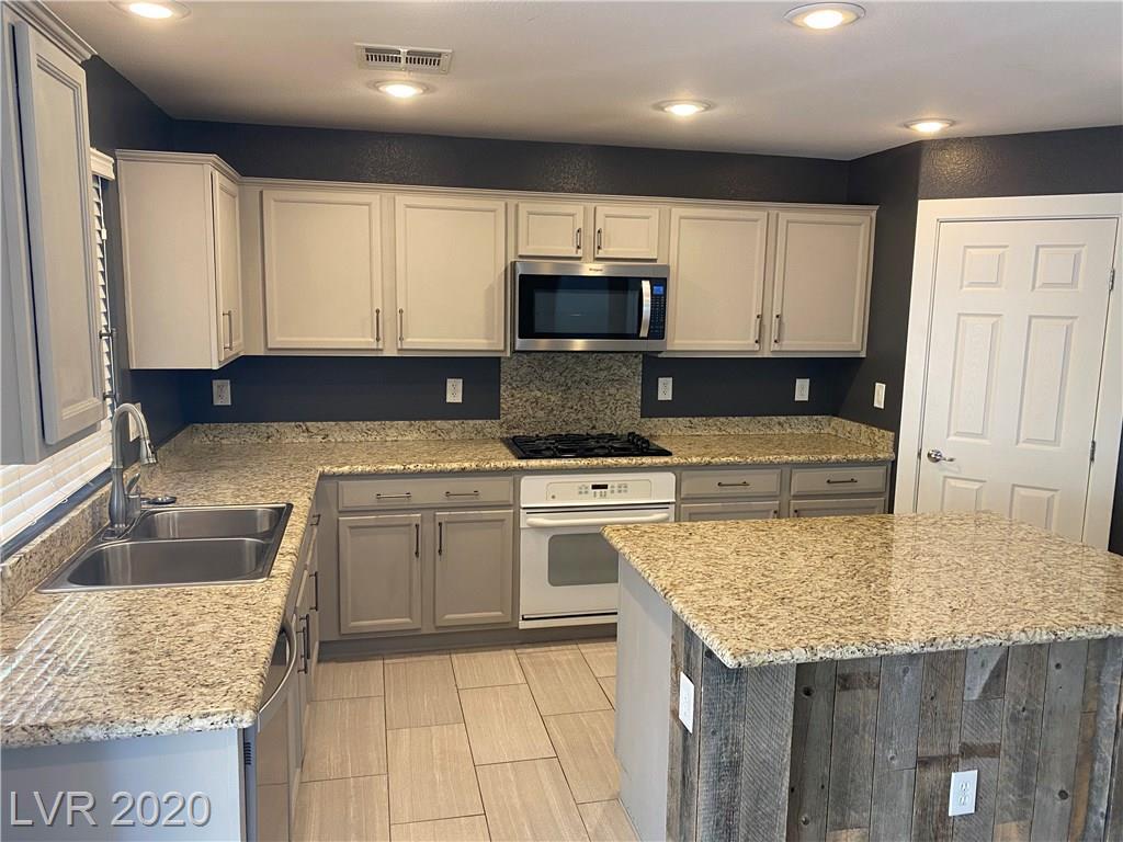 10412 Turtle Mountain Avenue Property Photo